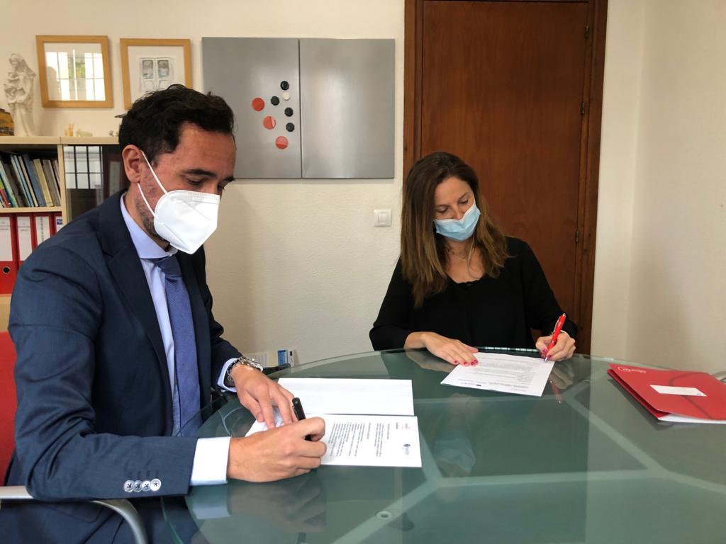 Firma acuerdo Albaydar y Seidor